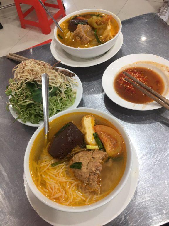 越南小吃研究。檳城市場附近傳統小吃店當地評價不錯[Miss 飛妮] @Miss 飛妮