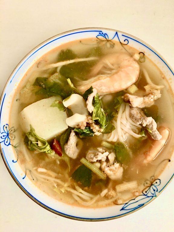 桃園美食。桃園同安市場阿絨越南美食。外帶超值評價超讚的美味湯頭[Miss 飛妮] @Miss 飛妮