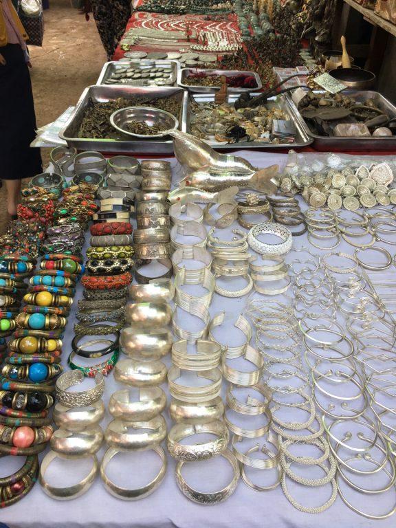 緬甸旅遊。第三天茵萊湖。水上市場。露天市場。三世紀前老寶塔遺跡。紅酒酒莊[Miss飛妮] @Miss 飛妮