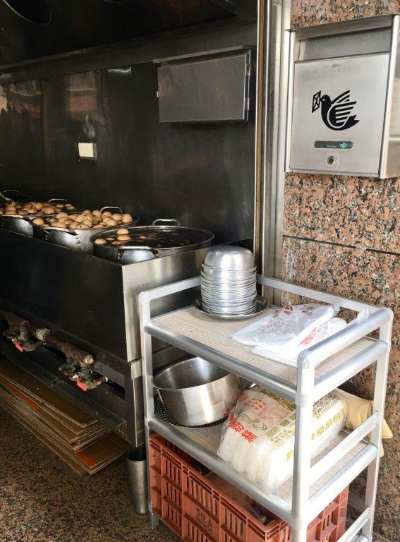 新竹美食。中華麵店。歷久彌新古早味麵店、十全茶葉蛋、豆花、冰、客家湯圓[Miss飛妮] @Miss 飛妮