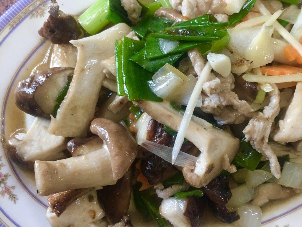 新竹美食。鑫園客家菜。招牌脆皮豬腳。新鮮青菜自家耕種[Miss飛妮] @Miss 飛妮