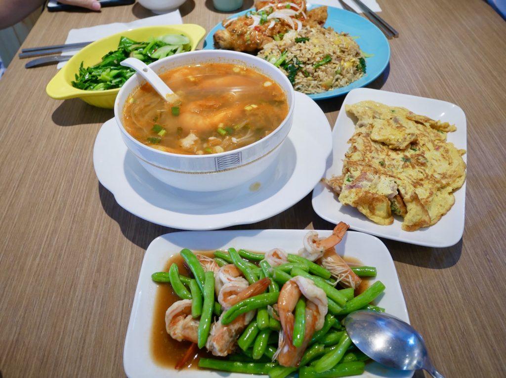 桃園南崁美食。萬壽菊泰式小吃。堅持美味的平價泰式料理。辣味及口味可以客製化。預訂請早[Miss飛妮] @Miss 飛妮
