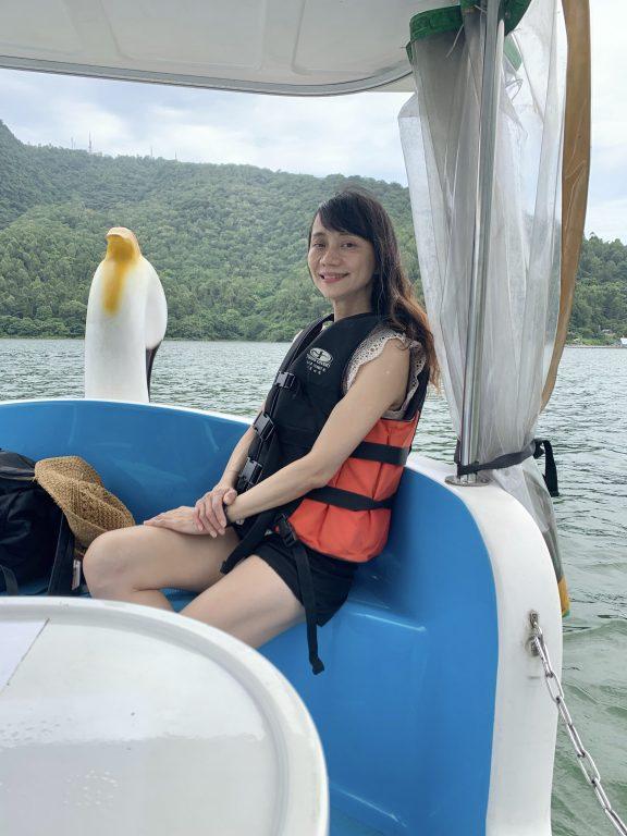 花蓮景點。鯉魚潭觀光船遊潭。七星潭乘風踏浪~湖光山色。浪花一朵朵雙潭不同美麗[Miss飛妮] @Miss 飛妮