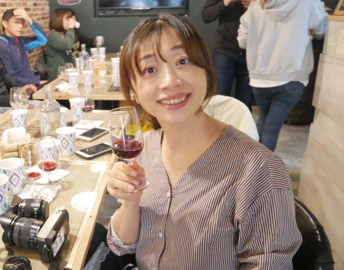 新竹竹北美食品味生活。歐啦啦OH LA LA葡萄酒~釀酒趣活動。用台灣黑后葡萄品種體驗釀酒過程超有趣!!由做中學[Miss飛妮] @Miss 飛妮