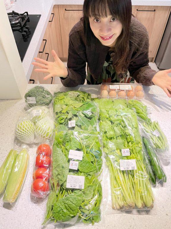 團購宅配開箱驚喜。Cheer life生活趣兒平台蔬菜綠盒子開箱。精緻用心有機小農團購配送[Miss飛妮] @Miss 飛妮