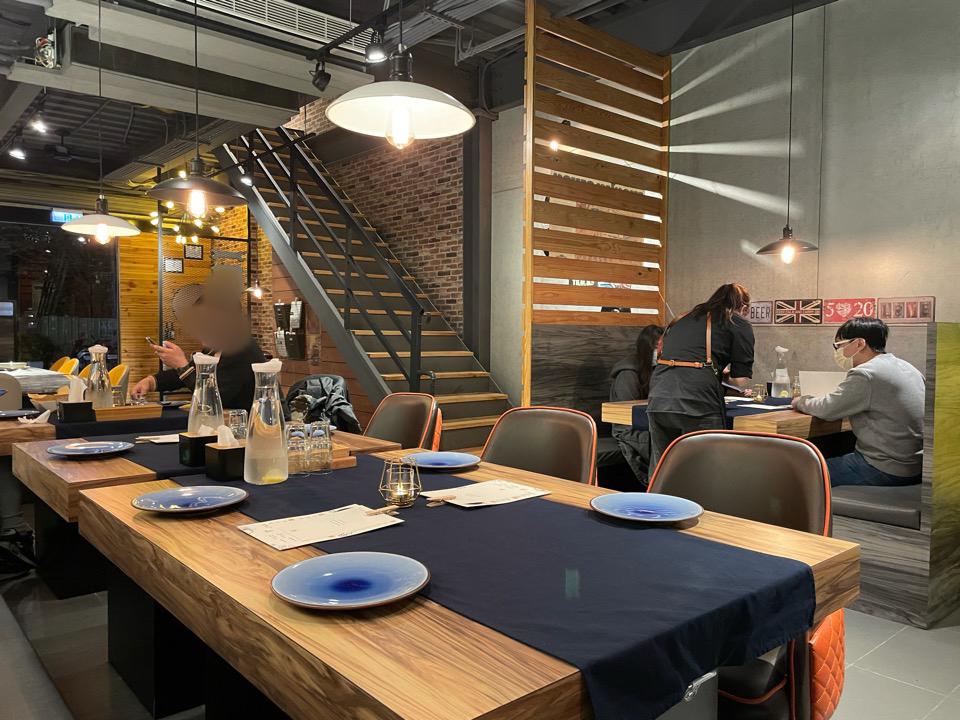 新竹竹北美食。美特利料理廚房MEET EAT。平價精緻料理~風味義大利麵。燉飯。排餐。沙拉。炸物。單點。啤酒[Miss飛妮] @Miss 飛妮