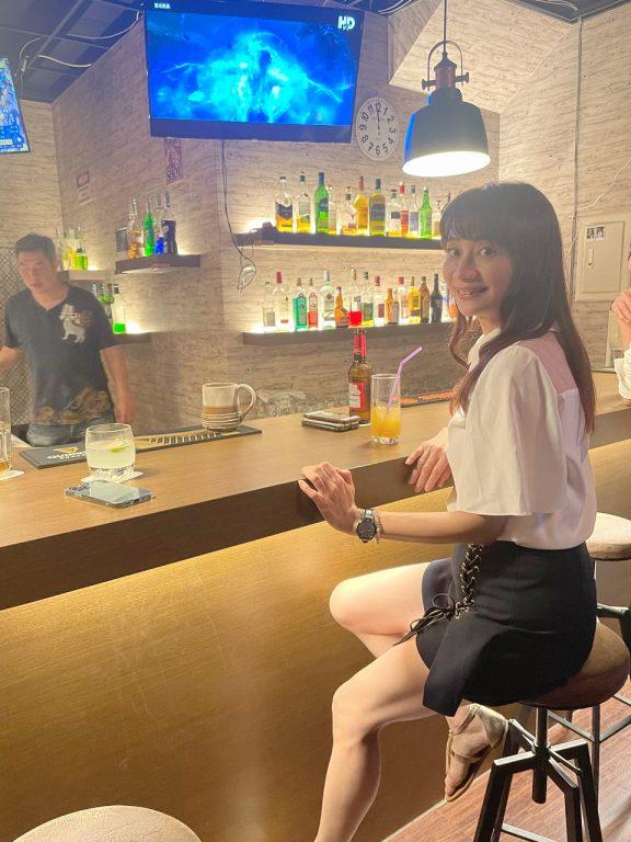 新竹竹北美酒。Moonshine Bar。一個像家庭Party概念的酒吧。嗨咖老闆帶動氣氛可以盡情放鬆的安全場所[Miss飛妮] @Miss 飛妮