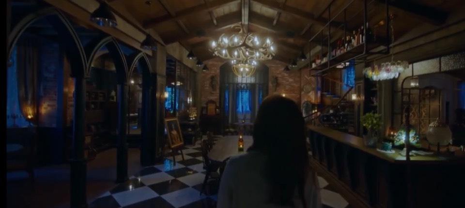 韓劇~來魔女食堂吧!宋智孝的冷豔魔女酷造型+製造話題精彩劇情。用美麗魔法食物代表人內心黑暗面的渴望。魔女代表人類內心的小惡魔。[Miss飛妮] @Miss 飛妮